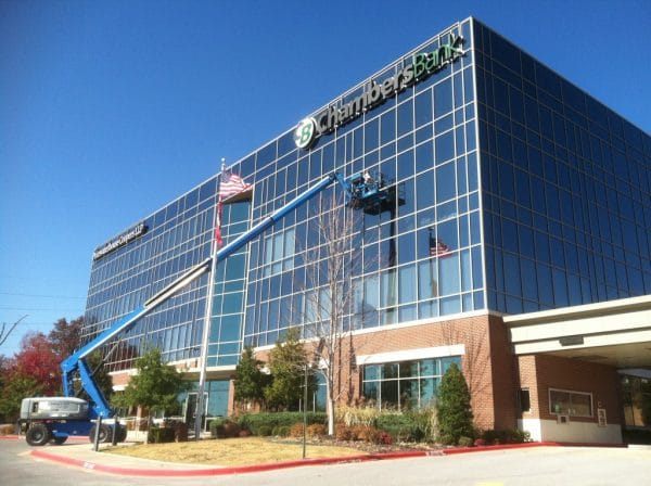Commercial Window Cleaning Services Offered by Specialists