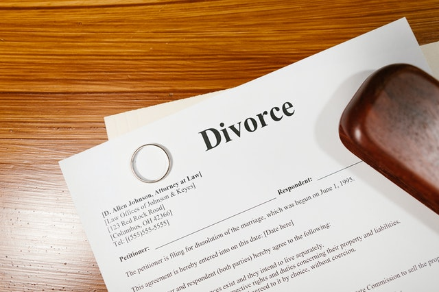 When and Why You Should Talk To A Divorce Attorney?